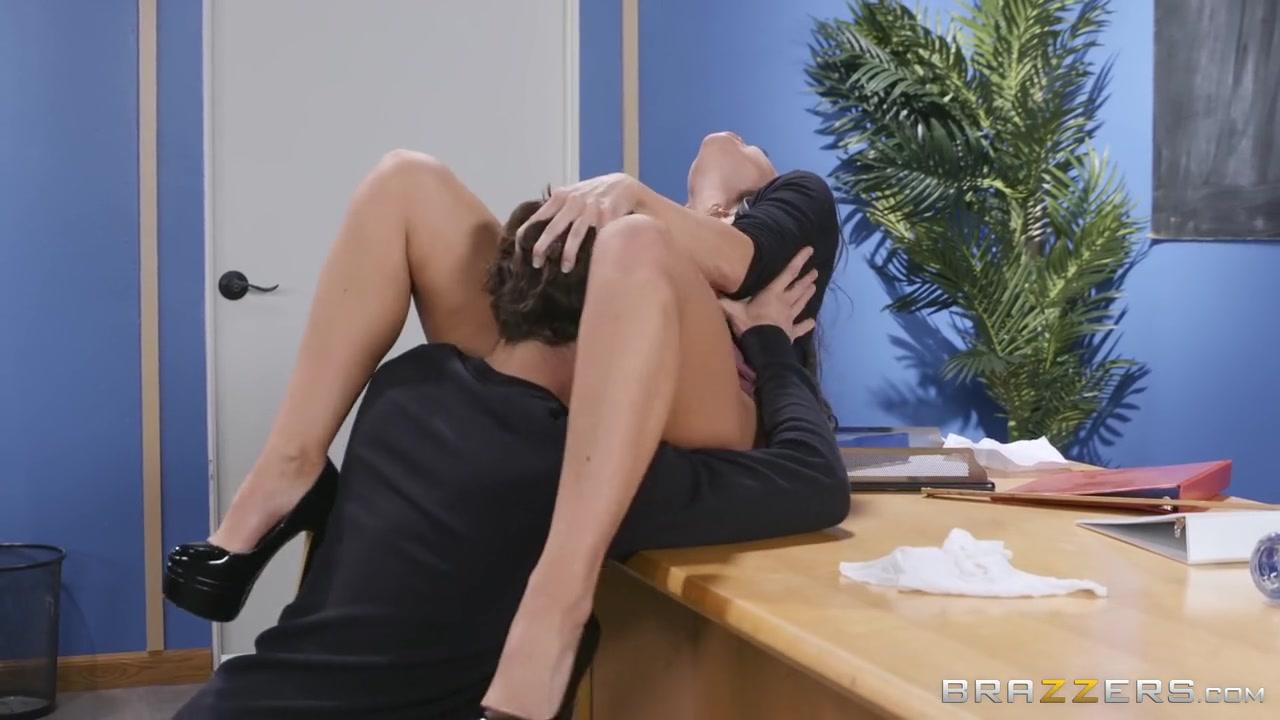 Abigail 93 Porno flexi classroom porn with busty abigail mac - xbabe video