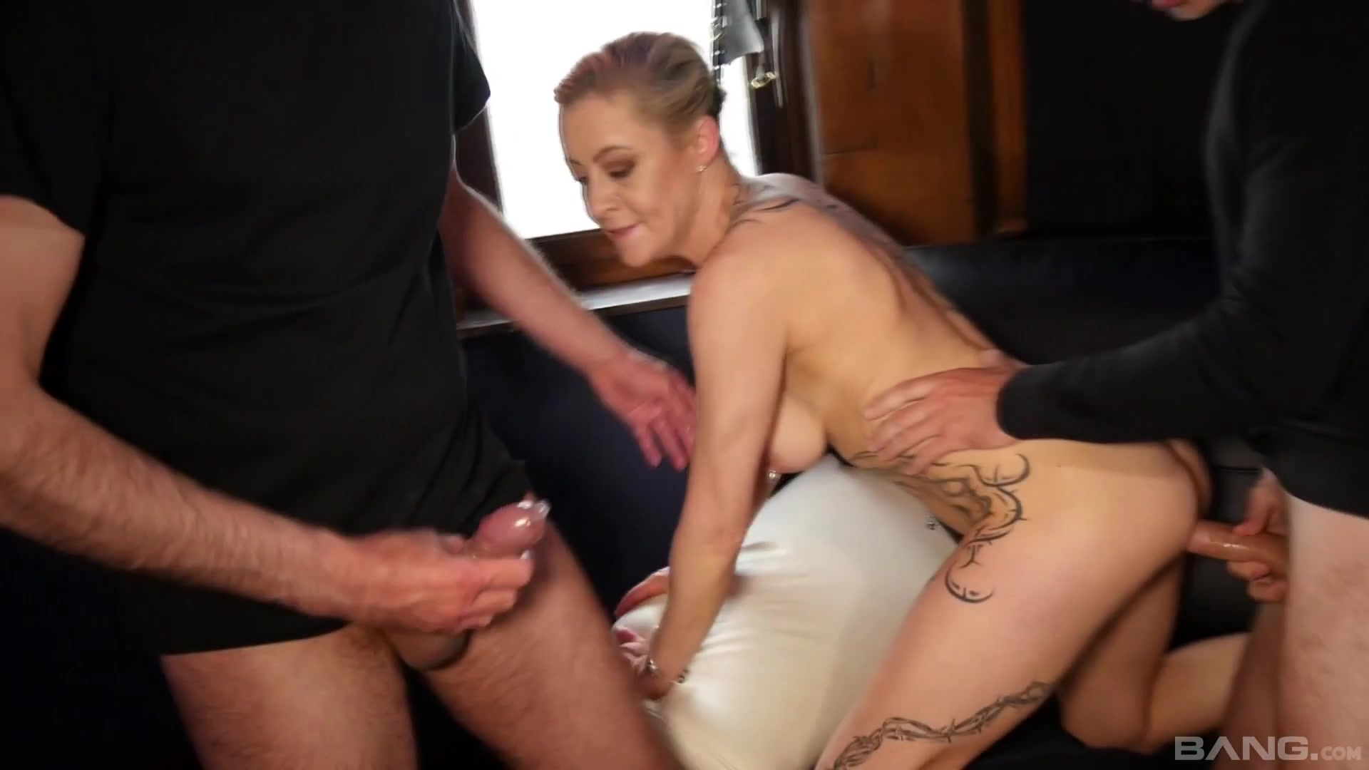 Amazing blonde milf gets in an amateur threesome