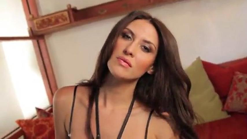Miranda nicole big boobs Miranda Nicole Demonstrating Her Big Tits Xbabe Video