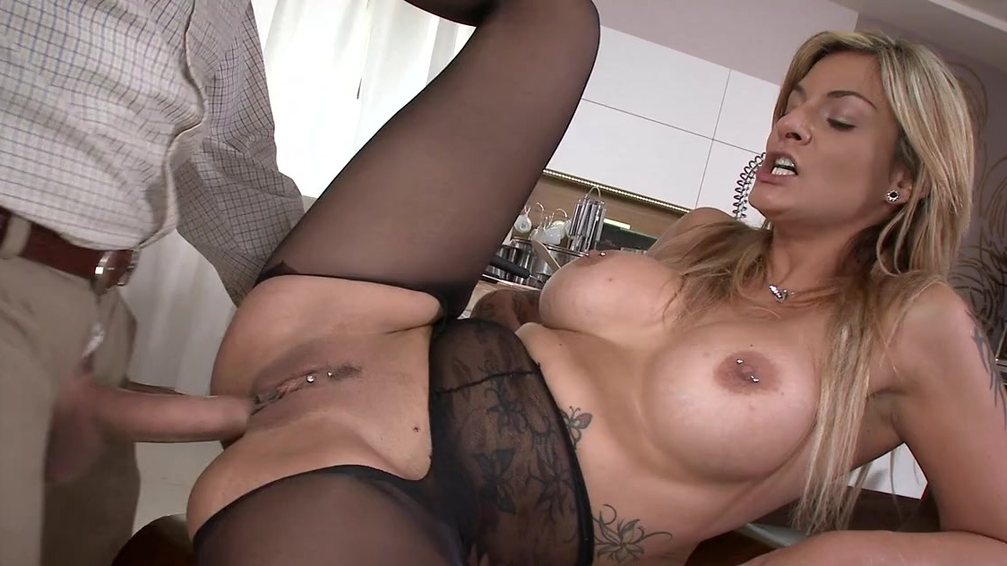 Hot Nude Lesbian threesone porn