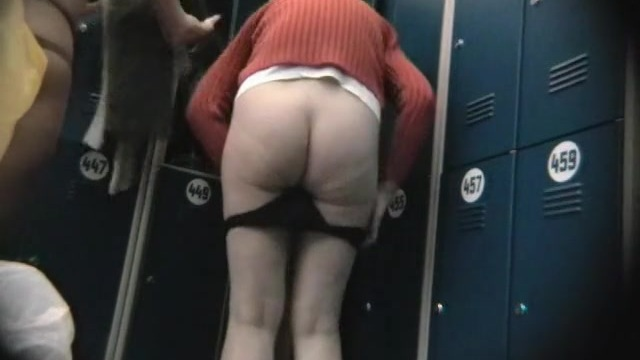 Hidden dressing room cam